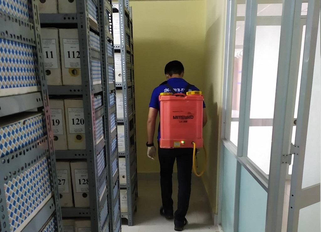 Dịch vụ diệt gián TPHCM
